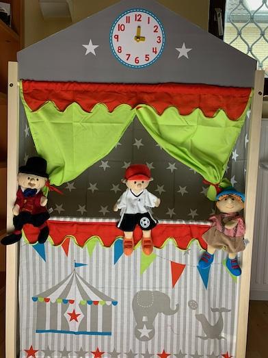 Puppentheater aus Holz