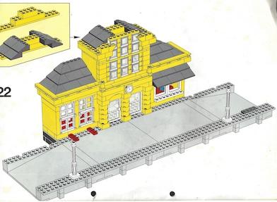 Lego sortieren: Bahnhof mit Bahnsteig aufbauen