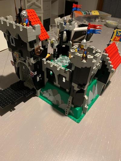Erstes Lego-Set mit Opa wieder zusammengebaut