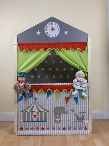 Puoppentheater im Raum für die Enkel