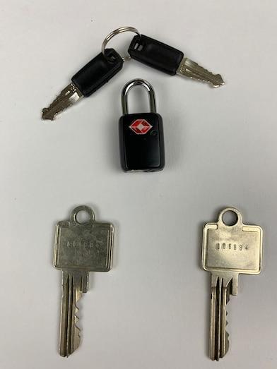 Schlüsselspiele mit Opa