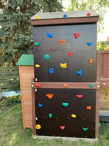 Kletterwand für die Enkel selbst gebaut