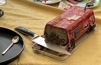 Feuerwehr-Kuchen als Geburtstaggeschenk