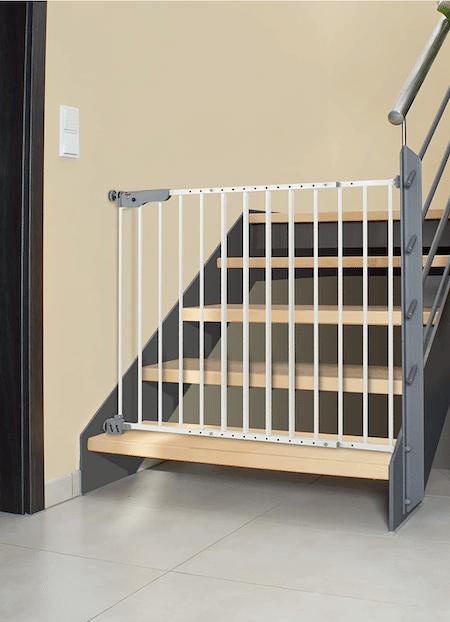 Sicherheit bei Treppen für Kleinkinder durch Treppengitter sicherstellen