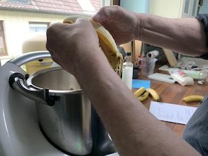 in den gesunden Kuchen fünf Bananen jinzugefügt