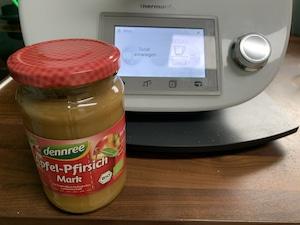 gesunder-Kuchen mit Apfel-Pfirsich-Mark