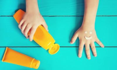 Sonnenschutz-Tipps - Sonnencreme für Baby und Kleinkind bei den Großeltern