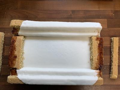 die restlichen Tribünen für den Stadion-Kuchen