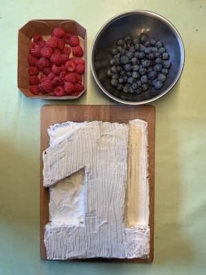 gesunde Himbeer-Blaubeer-Kuchendekoration