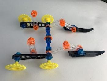 Zusammenbau der Antriebsräder und Rahmenteile von Ski Patrol
