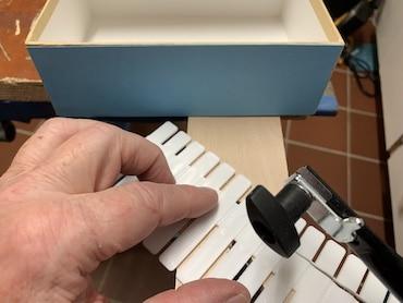 Geschenkbox-Einteilungen passend zuschneiden