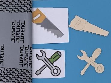 Geschenkbox-Deckel verzieren mit Werkzeugen